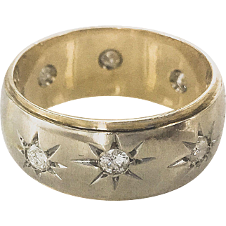 14K Retro Two Tone Band  Ring with Diamond Star Accents