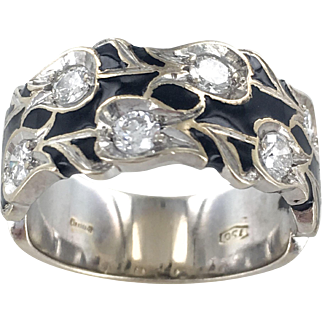 18K Retro Eternity Band Featuring Tulips with Diamond Centers