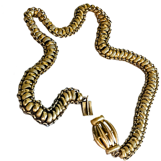 18K Early Victorian Necklace with Decorative Clasp