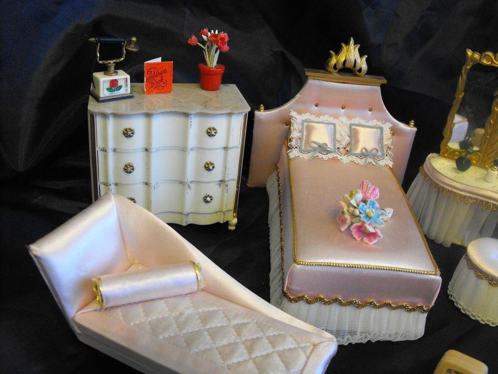 Ideal's Petite Princess Fantasy Furniture Bedroom Set Pink