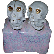Skull Nodder Salt and Pepper Shakers