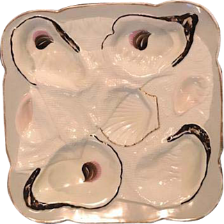 Rare Napkin Fold Oyster Plate