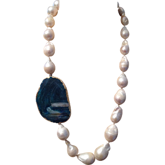 Necklace of large baroque pearls
