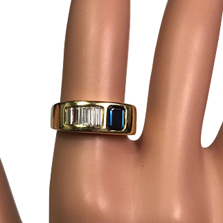Solid 18K Yellow Gold Genuine Sapphire & Natural Diamond Ring!