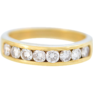 Solid 14K Yellow Gold Natural Diamond Band in Excellent Condition!