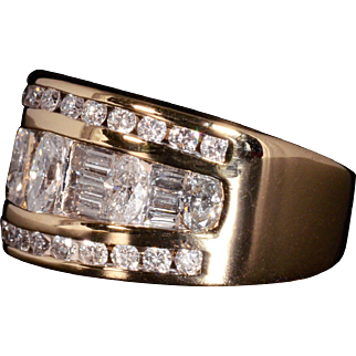 Gorgeous Genuine Diamond Band Set in Solid 14K Yellow Gold! 2CTTW!