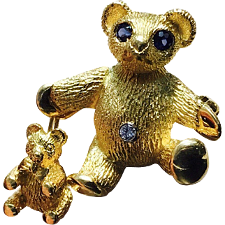 100% Authentic Tiffany & Co. 18K Yellow Gold Dia & Sapphire Teddy Bear Pin