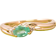 Solid 14K Yellow Gold Genuine Emerald & Natural Diamond Ring 2.6 Grams