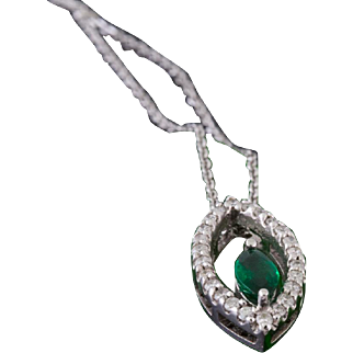 Solid 14K White Gold Genuine Emerald & Natural Diamond Pendant / Necklace 3.3 G