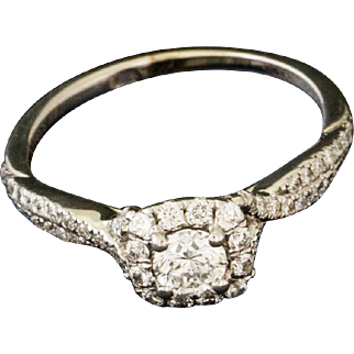 Solid 14K White Gold Natural Diamond Ring 2.2 Grams