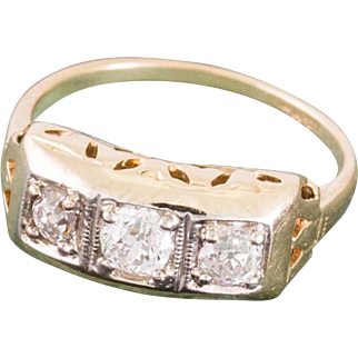Solid 14K Yellow Gold Natural Diamond Ring 1.4 Grams Size 3