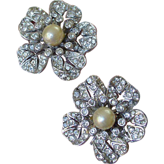 Great Gatsby Style Rhinestone and Faux Pearl Flower Earrings