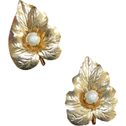 Sarah Coventry Leaf Earrings