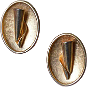 Sarah Coventry Gold Tone Vintage Earrings