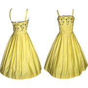Vintage 1950s Dress . Sunshine Yellow . Couture . 50s Dress . Full Circle Skirt Mod - New Look Garden Party Mad Men Rockabilly