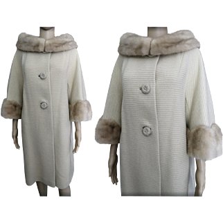 Vintage 1950s Coat//Mink Cuff//Mink Collar//Swing Coat//50s coat//Azens Furs Fashion//Rockabilly//Mod//New Look
