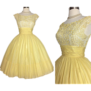 Vintage 1950s Dress //Jr. Theme //50s Dress //Yellow//Sexy//New Look //Femme Fatale//Rockabilly//Cocktail Dress//Party Dress