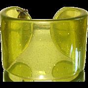 Vintage Lucite Confetti Cuff Bracelet Chucky 1960s Big Bold Green Gold Glitter Dress Garden Party Cocktail pinup designer 1960s Mad Men