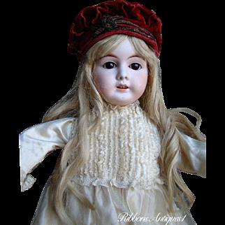 VERY PRETTY Antique Kuhnlenz German Bisque doll circa 1900