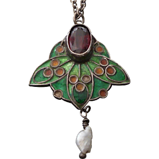 c.1900 Arts & Crafts Silver, Enamel, Garnet & Pearl Pendant Necklace