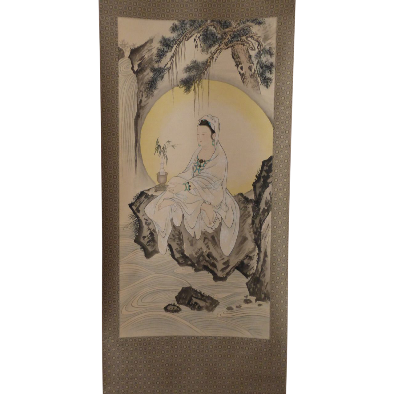 Antique Chinese Scrolls: Vintage Chinese Painting Scroll Buddhist Guanyin / Kwan