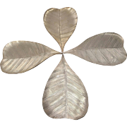 Fabulous Decorative Leaf Centerpieces