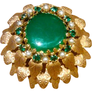 Vintage Domed Ruffle Brooch with Emerald Green Rhinestones and Seed Pearls