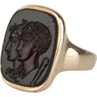 Wonderful 15K Carnelian Intaglio Seal Ring with Two Figures - Grand Tour