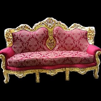 Baroque settee in Italian design