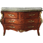 Unique beautiful commode/chest of drawers end 19th century