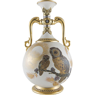 19th Century Royal Worcester Porcelain Aesthetic Movement Owl Vase