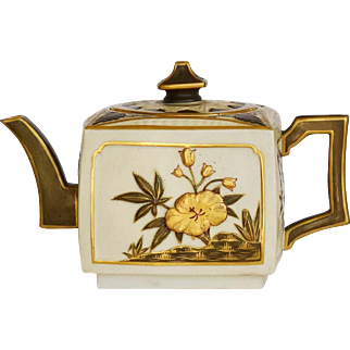 19th Century Royal Worcester Porcelain Aesthetic Movement Japanisme  Teapot