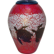 Phoenix Studios, Art Glass Vase, Sea Turtles Swimming, Gold on Red, Very Nice