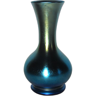 Lustre Art Glass, Blue Aurene Bulbous Flower Vase, Excellent Iridescence