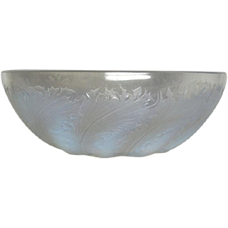 R Lalique, Chicoree Opalescent Bowl, Excellent Condition, Elegant Pattern