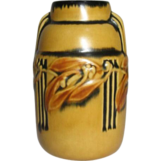Roseville Pottery, Laurel Yellow Vase, Art Deco Flavor, Very Nice