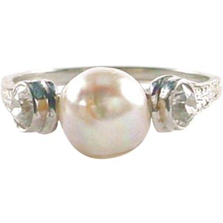 Art Deco Diamond Pearl 18k Gold Engraved Gold Ring