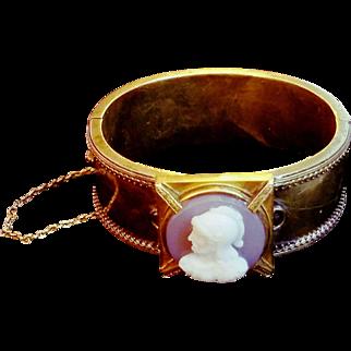 UNUSUAL Vintage Antique VICTORIAN-Era 1800s 14kt Gold Hinge Bangle Bracelet w/ Cameo