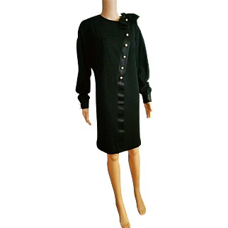 Vintage 80s CHANEL BOUTIQUE Iconic Wool and LOGO Pearl Button Dress - 1980s