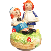 Raggedy Ann & Andy Collectible Music box by Schmid 1974