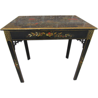 English Chinoiserie' Side Table, 19th C.