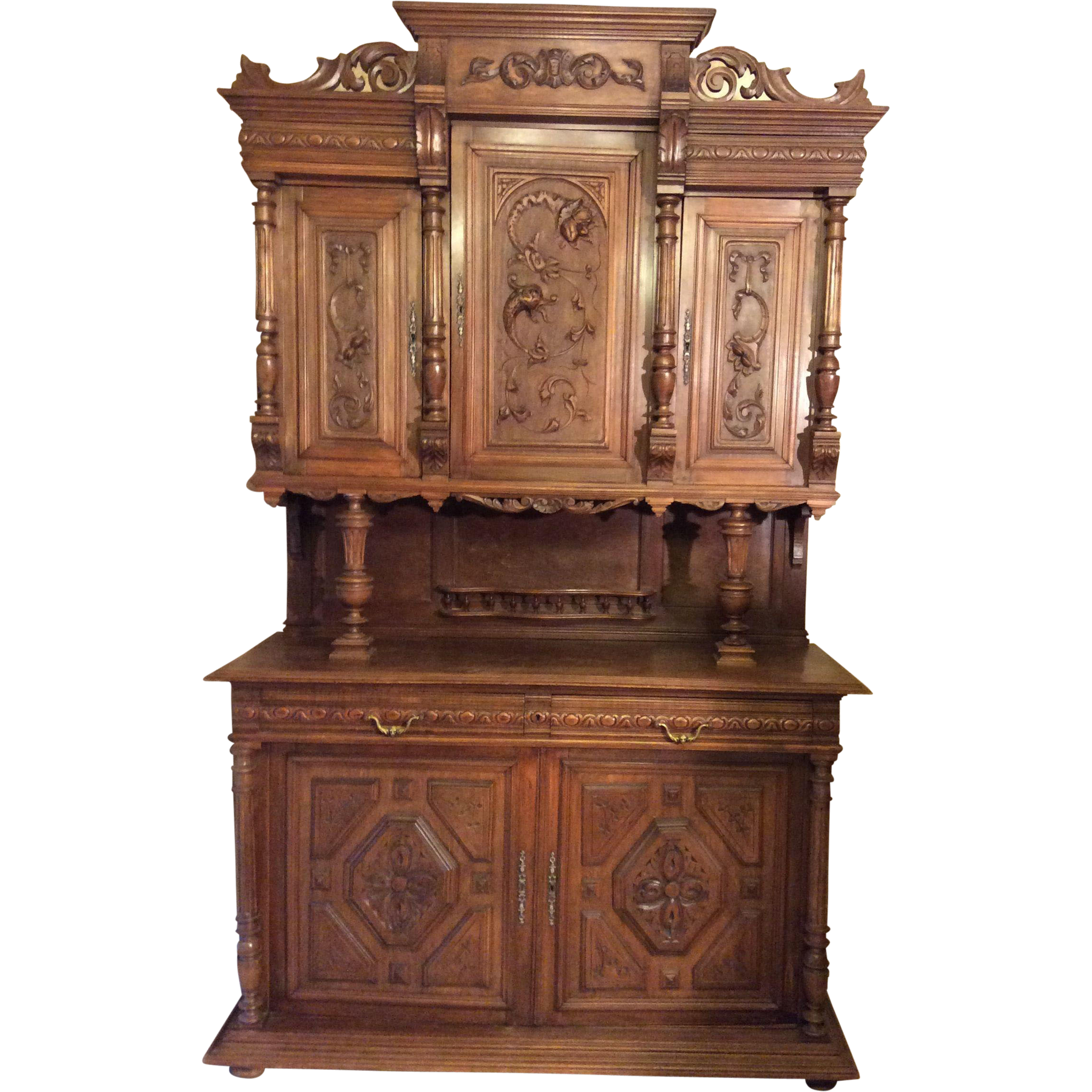 French henri ii style hutch with intricate carvings from for Table style henri 2