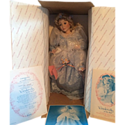 Ashton-Drake Galleries - Cinderella At The Ball - Porcelain Doll 1992