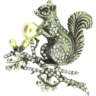 Rare Vintage STARET Rhinestone Fx Pearl Squirrel on a Branch Figural Brooch Pin