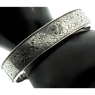 Vintage Sterling ART DECO Victorian Revival BINDER BROTHERS Engraved Bangle BRACELET