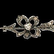 CHARMING Antique Georgian 18 carat rose gold and rose cut diamond clover and arrow brooch - circa 1830
