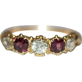 Super sweet fine antique Victorian 18 carat gold garnet and chrysoberyl 5 stone ring - English circa 1840-1850