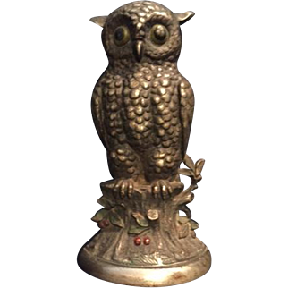 "Vintage Hubley ""Owl"" Cast Iron Doorstop, Depicting Owl on a Stump with Holly Berries"