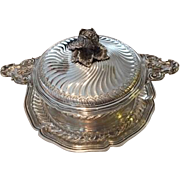 "Elegant French Silver Tureen with Platter or ""Ecuelle on Stand"", Boin Taburet a Paris, circa 1910"