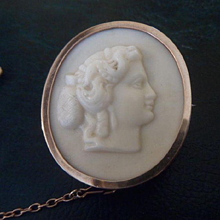 Excellent Antique Early Victorian White Marble & 9ct Rose Gold Cameo Brooch C1840